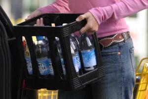 Petcycle Einweg PET Flaschen Mehrwegkasten Kreislaufsystem Mineralwasser